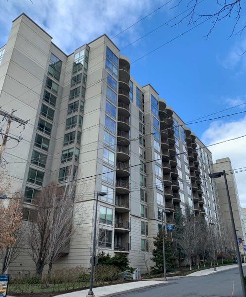 Edgewater Commons - Apartment Building Tower